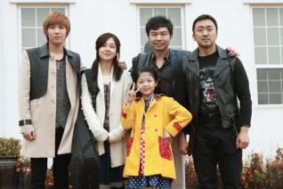 Lee Hong-ki, Baek Jin-hee, Ma Dong-seok, Im Won-hee et Jeon Min-seo dans Rockin' on Heaven's Door (2013)