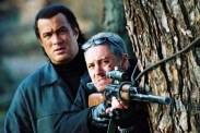 Steven Seagal et Max Ryan dans The Foreigner (2003)