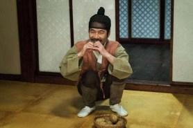 Oh Dal-su dans Detective K: Secret of the Living Dead (2018)