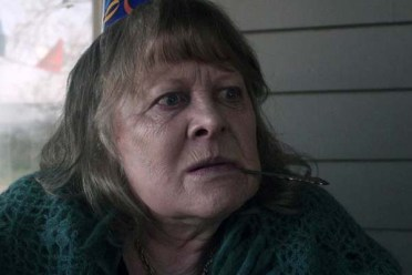Shirley Knight dans Mercy (2014)