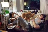 Tom Hughes et Oona Chaplin dans Realive (2016)