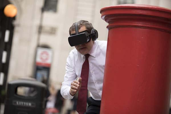 Rowan Atkinson dans Johnny English Strikes Again (2018)