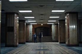 Paul Ben-Victor et Patrick John Flueger dans The Super (2017)
