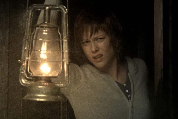 Ingrid Bolsø Berdal dans Cold Prey (2006)