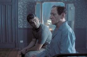 Ben Kingsley et Oscar Isaac dans Operation Finale (2018)