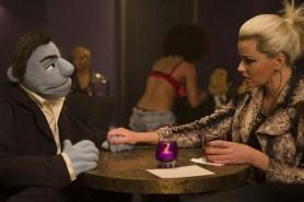 Elizabeth Banks et Bill Barretta dans The Happytime Murders (2018)