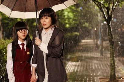 Kim Sae-ron et Kim Yunjin dans The Neighbor (2012)