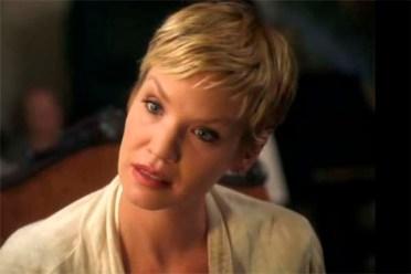 Ashley Scott dans Summoned (2013)