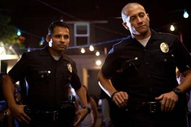 Jake Gyllenhaal et Michael Peña dans End of Watch (2012)