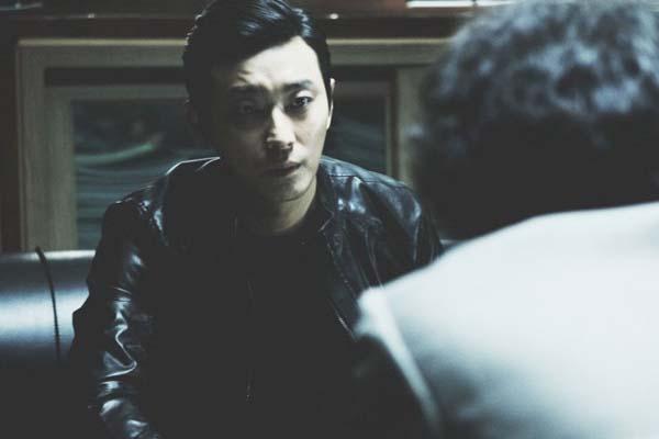 Ju Ji-hoon dans Confession (2014)