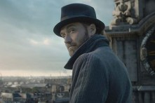 Jude Law dans Fantastic Beasts: The Crimes of Grindelwald (2018)