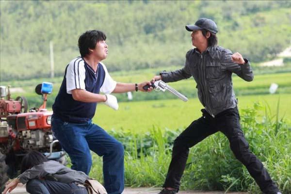 Jung Kyung-ho et Kim Yoon-seok dans Running Turtle (2009)