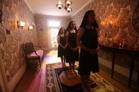 Courtney Halverson, Lindsay Seim, et Sabrina Kern dans St. Agatha (2018)