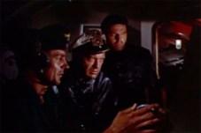 Curd Jürgens dans The Enemy Below (1957)