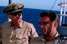 Russell Collins et Robert Mitchum dans The Enemy Below (1957)