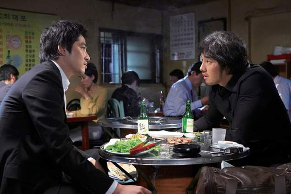 Kang Ji-hwan et So Ji-sub dans Rough Cut (2008)