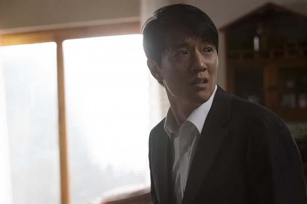 Kim Rae-won dans RV: Resurrected Victims (2017)