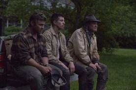 Kurt Russell, Luke Hemsworth, et Beau Knapp dans Crypto (2019)