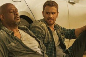 Forest Whitaker et Theo James dans How It Ends (2018)
