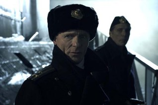 Ed Harris et William Fichtner dans Phantom (2013)