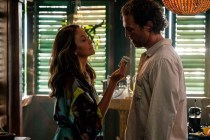 Diane Lane et Matthew McConaughey dans Serenity (2019)