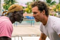 Matthew McConaughey et Djimon Hounsou dans Serenity (2019)