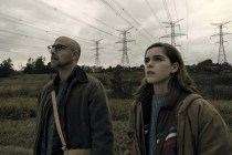 Stanley Tucci et Kiernan Shipka dans The Silence (2019)