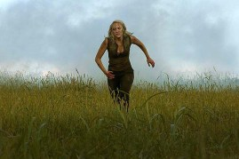 Maika Monroe dans Tau (2018)