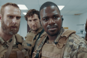 David Meadows, Clayton Snyder et Daniel Washington dans Alien Warfare (2019)