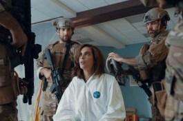 David Meadows, Clayton Snyder et Larissa Andrade dans Alien Warfare (2019)