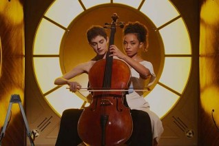 Logan Browning et Allison Williams dans The Perfection (2018)