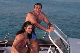 Sean Connery et Martine Beswick dans Thunderball (1965)