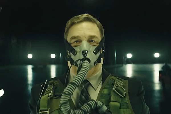 John Goodman dans Captive State (2019)