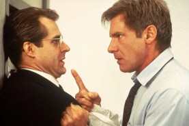 Henry Czerny et Harrison Ford dans Clear and Present Danger (1994)