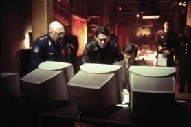 Ciarán Hinds, Constantine Gregory, et Mariusz Sibiga dans The Sum of All Fears (2002)