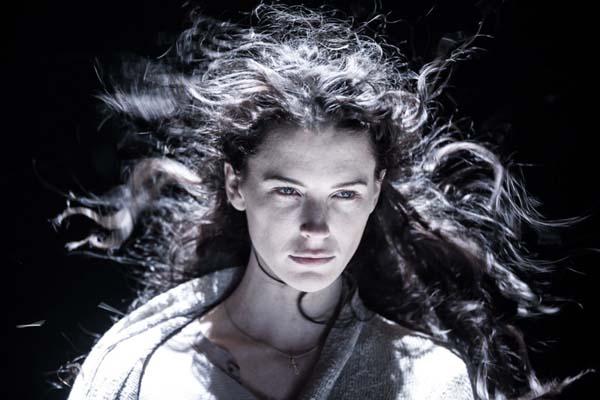 Bridget Regan dans Devil's Gate (2017)