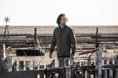 Adam Hurtig dans Devil's Gate (2017)