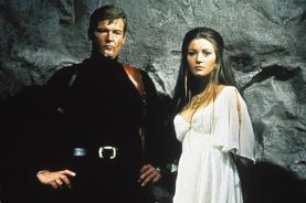 Roger Moore et Jane Seymour dans Live and Let Die (1973)