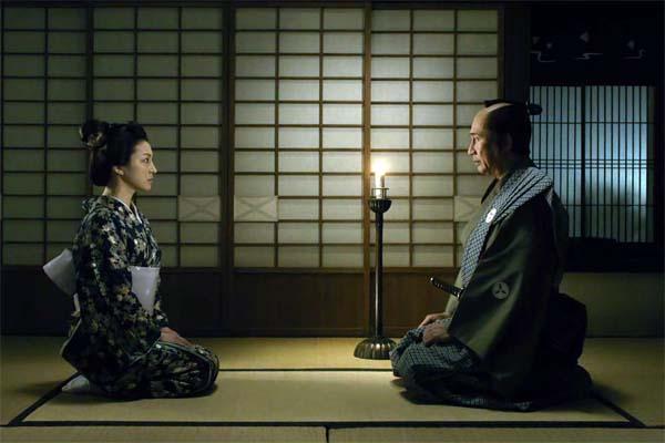 Ryōko Hirosue et Kiichi Nakai dans Snow on the Blades (2014)