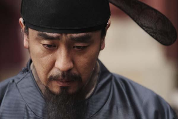 Ryu Seung-ryong dans Masquerade (2012)