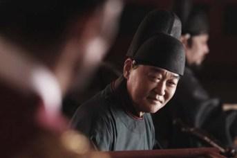 Jang Gwang dans Masquerade (2012)