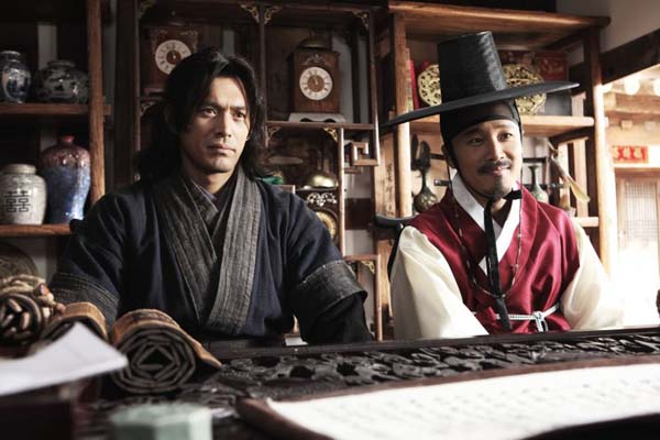 Oh Ji-ho et Cha Tae-hyun dans The Grand Heist (2012)