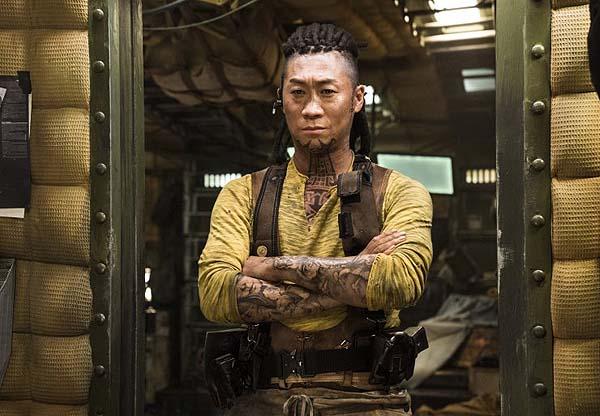 Jin Seon-kyu dans Space Sweepers (2021)