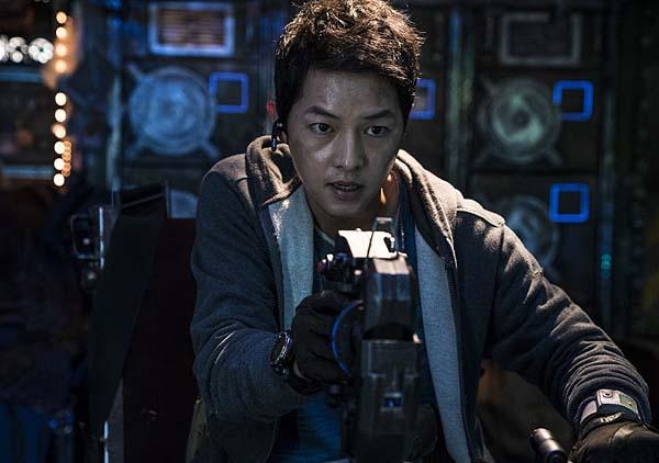 Song Joong-ki dans Space Sweepers (2021)