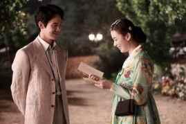 Yoo Yeon-seok et Han Hyo-joo dans Love, Lies (2016)